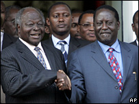 Kibaki and Raila Shake Hands