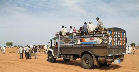 IDPs arriving at Al Salaam camp outside Nyala in 2007.